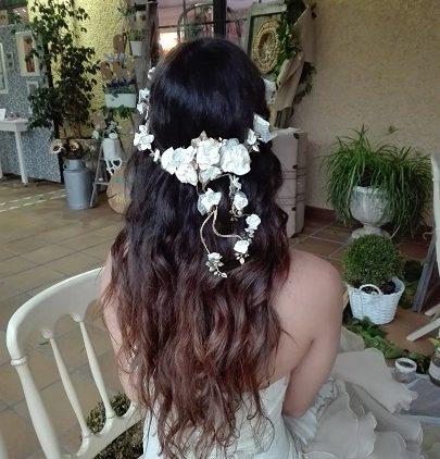 Corona de novia de porcelana en cascada