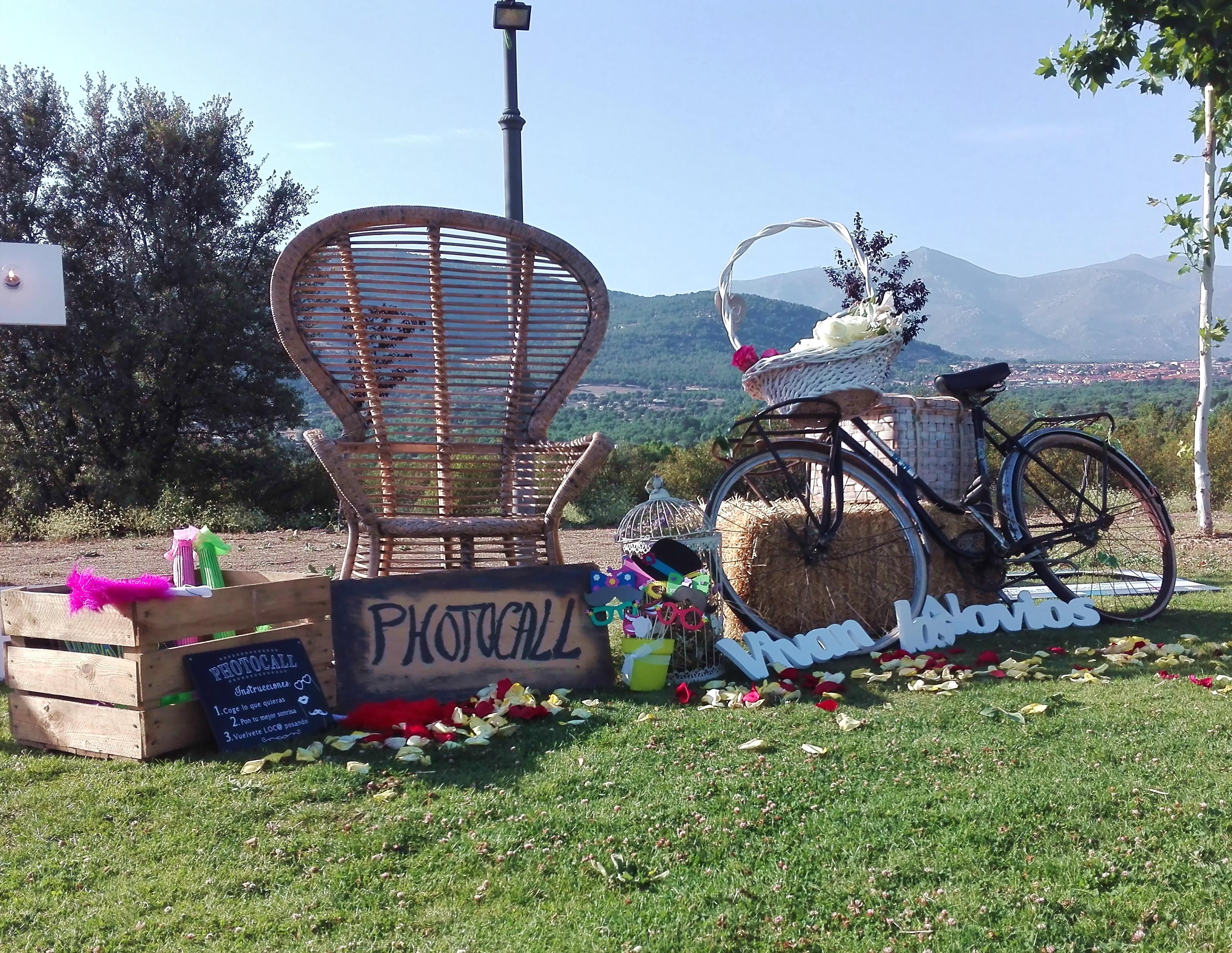 Photocall bici y sill n de mimbre emmanuelle - Sillon emmanuelle ...
