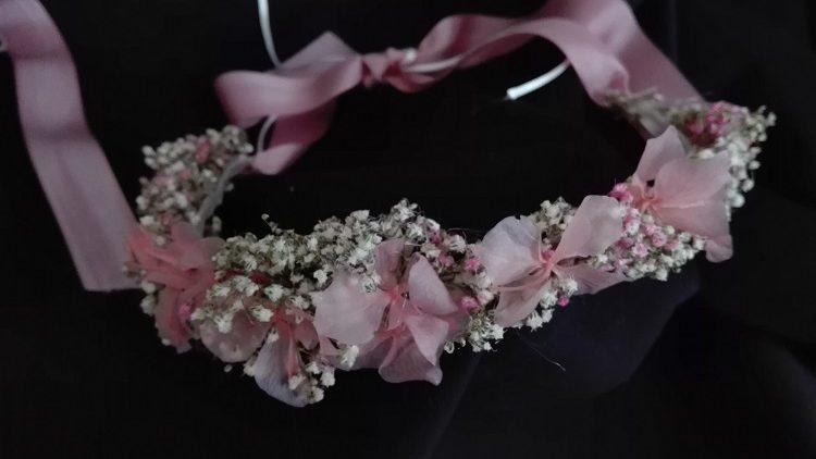 Corona de paniculata y hortensia liofilizada