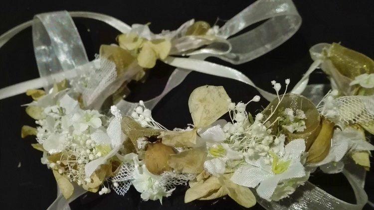 Corona de flores de arras o comunión