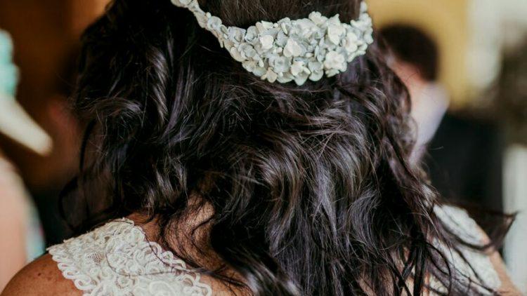 Corona de novia plata de flores de porcelana