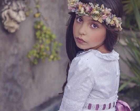 Corona de flores de Babú
