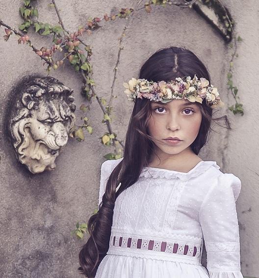 Corona de flores preservadas niña - Ana Tocados y Complementos 95752f6741bb