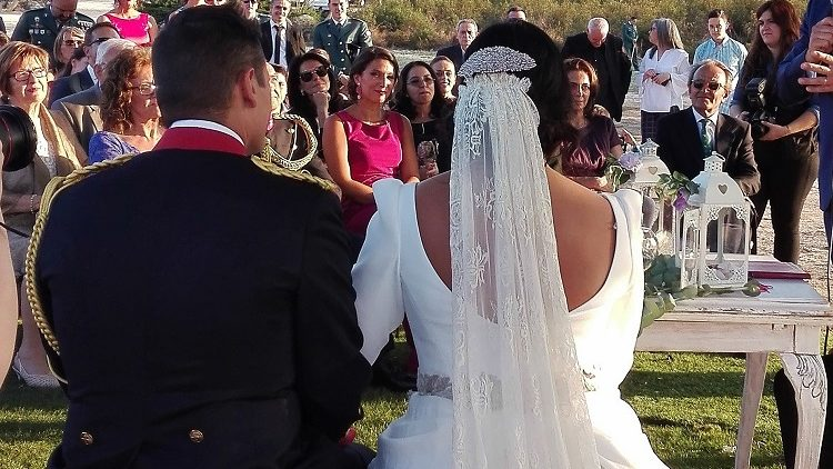 Tiara de pistilos de novia de porcelana novia