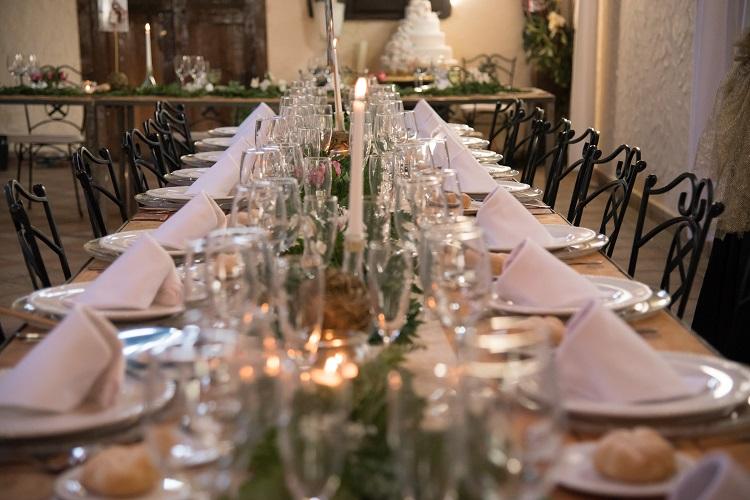 Decoraci n de mesa imperial r stica ana tocados y for Decoracion mesa rustica