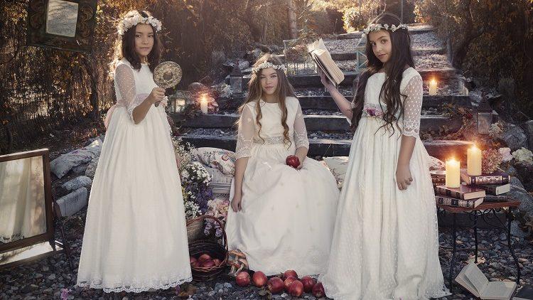 Coronas diferentes de niñas de comunión