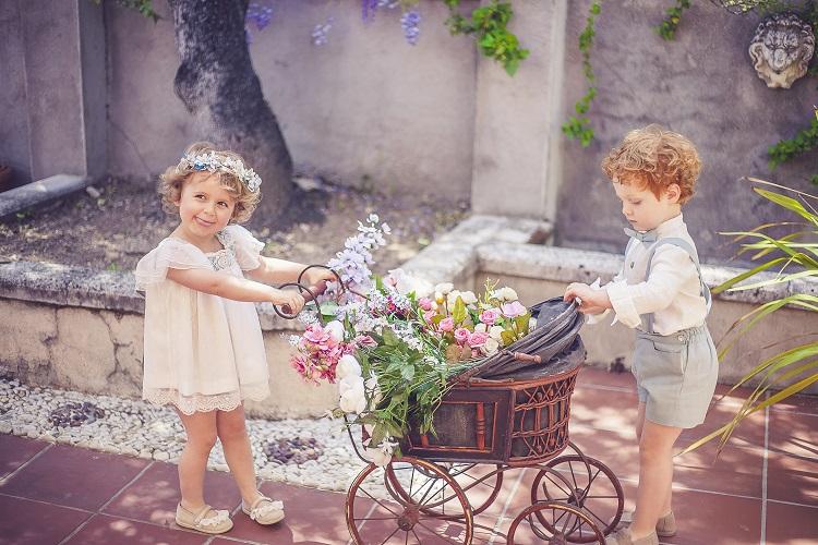 Corona de flores de tela para pajes - Ana Tocados y Complementos 737dced0f7bb