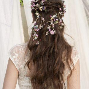 Corona de porcelana en cascada de novia